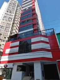 Rua 951 - Perto da Avenida Brasil, 01 suíte + 01 dormitório com duas vagas!