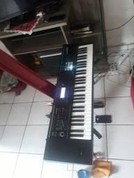 Roland Juno DS.