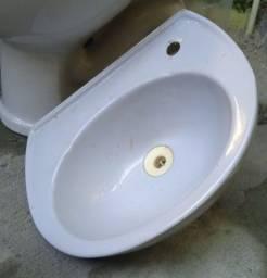 Kit completo para banheiro ( pia + vaso + descarga nova )