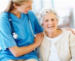 Sou técnica em enfermagem e cuidadora de idosos.