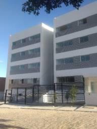 Apartamento com 2 quartos, 54 m², aluguel por R$ 650/mês