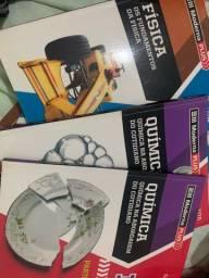 Livros didáticos Física, Química e Matemática