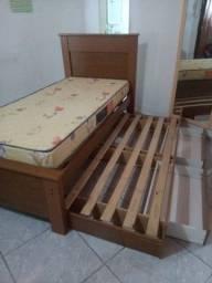 Vendo cama solteiro com suporte para dois colchões e duas gavetas