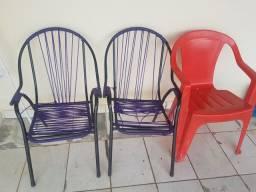 Vendo 3 cadeiras por 60 reais Pra retirar