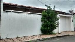 Casa na Rua 19 do Cohatrac Iv com 2 quartos , 1 wc social, * whatsapp