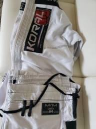 Kimono jiu jitsu koral mkm koral competição A4 branco na etiqueta, sem uso