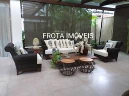 Título do anúncio: Belíssima casa no Agua Cristal, 5 suítes, piscina, espaço gourmet