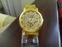 72e72ff298e Relógio Feminino Dourado Kemanqi 100% Novo