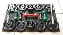 Kit de halteres e anilhas para musculação
