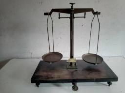 Balança antiga de ourives