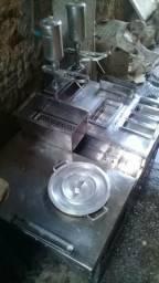 Kit de churrus completo e engenho de cana ( moedor de caldo de cana )