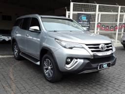 Toyota Hilux SW4 2.8 Prata