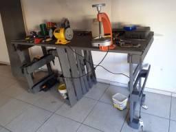 Mesa para ferramentas ótima para oficinas