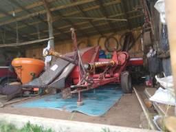 Máquina de colher milho em espiga