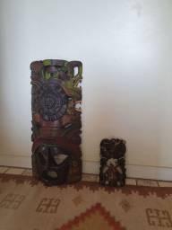 Vendo 2 Totem de madeira de Chichen Izta (Asteca, Maia, Inca)