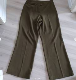 Calça alfaiataria pantalona verde oliva