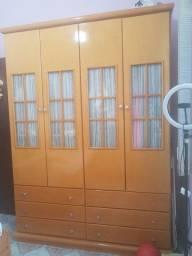 Vendo Excelente armário em madeira