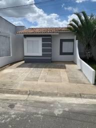 Casa de 2/4 em condomínio na Artemia Pires
