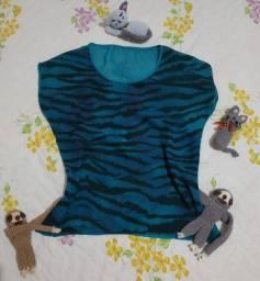 Blusa feminina em animal print