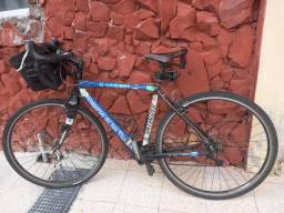 Bicicleta Speed Specialized Adaptada a Cicloturismo
