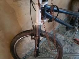 Vendo bicicleta com 18 marchas