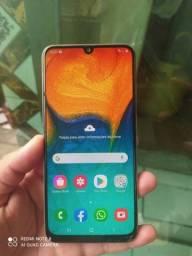 Samsung Galaxy A30 vend ou troc