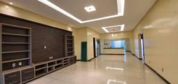 Casa na Marambaia 4/4 com piscina, R$ 900 mil / *