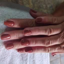 Manicure e pedicure 30 Reais