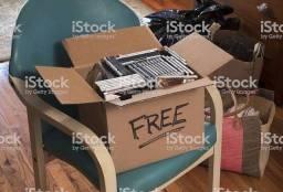 Vendo mais de 5 caixas cheias de dvds