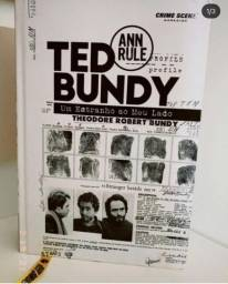 Livro - Ted Bundy: Um Estranho Ao Meu Lado (em perfeito estado)