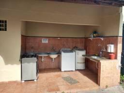 1/4 c/ banheiro e área serviço, água e energia incluso, perto do Tatico de Campinas