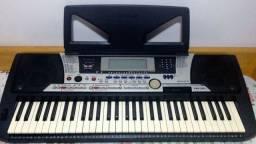Teclado Yamaha PSR-S550 Workstation digital 796 timbres