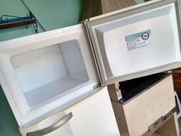 Refrigerador Eletrolux Super Freezer DC33