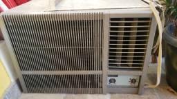 Ar condicionado 18000 btus 220v