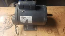 Motorc1/2 cv 127/220 volts