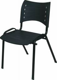 Cadeira Fixa iso em polipropileno