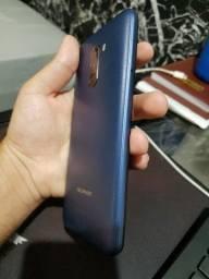 Xiaomi Pocophone f1 - 6gb de RAM 128gb de armazenamento