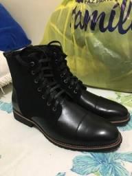 Botas tamanho 42 cor preta