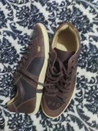 Título do anúncio: Sapato Oakley novo nunca usado só foi tirado da caixa