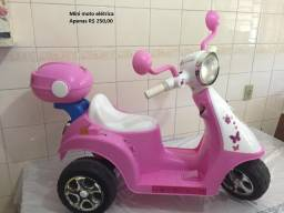 Mini moto elétrica infantil 6v tipo lambreta