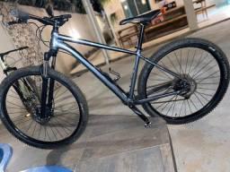 Título do anúncio: Bike Cannondale Trail 4 _ 29 Quadro M