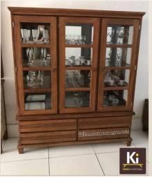 Cristaleira em madeira rústica com detalhe em vidro, Gravatá, móveis rústicos