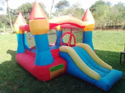 Castelinho inflável