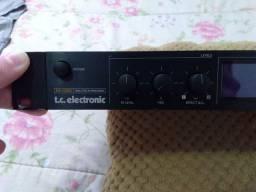 Processador de efeitos T.c eletronic M one
