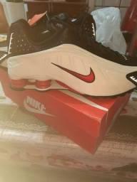 Tênis Nike 4 molas original na caixa