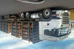 Scania R440 6X4 2014 com carreta para tora com entrada e serviço