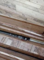 Título do anúncio: Uma vara de carbono . Uma vara de pescar no mar .uma carretilha