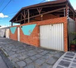 Casa com 3 dormitórios para alugar, 175 m² por R$ 800,00/mês - Presidente Médici - Campina