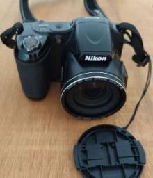 Camera Nikon L820