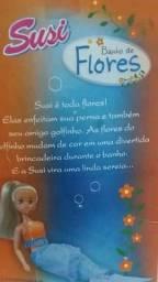 Boneca susi banho de flores